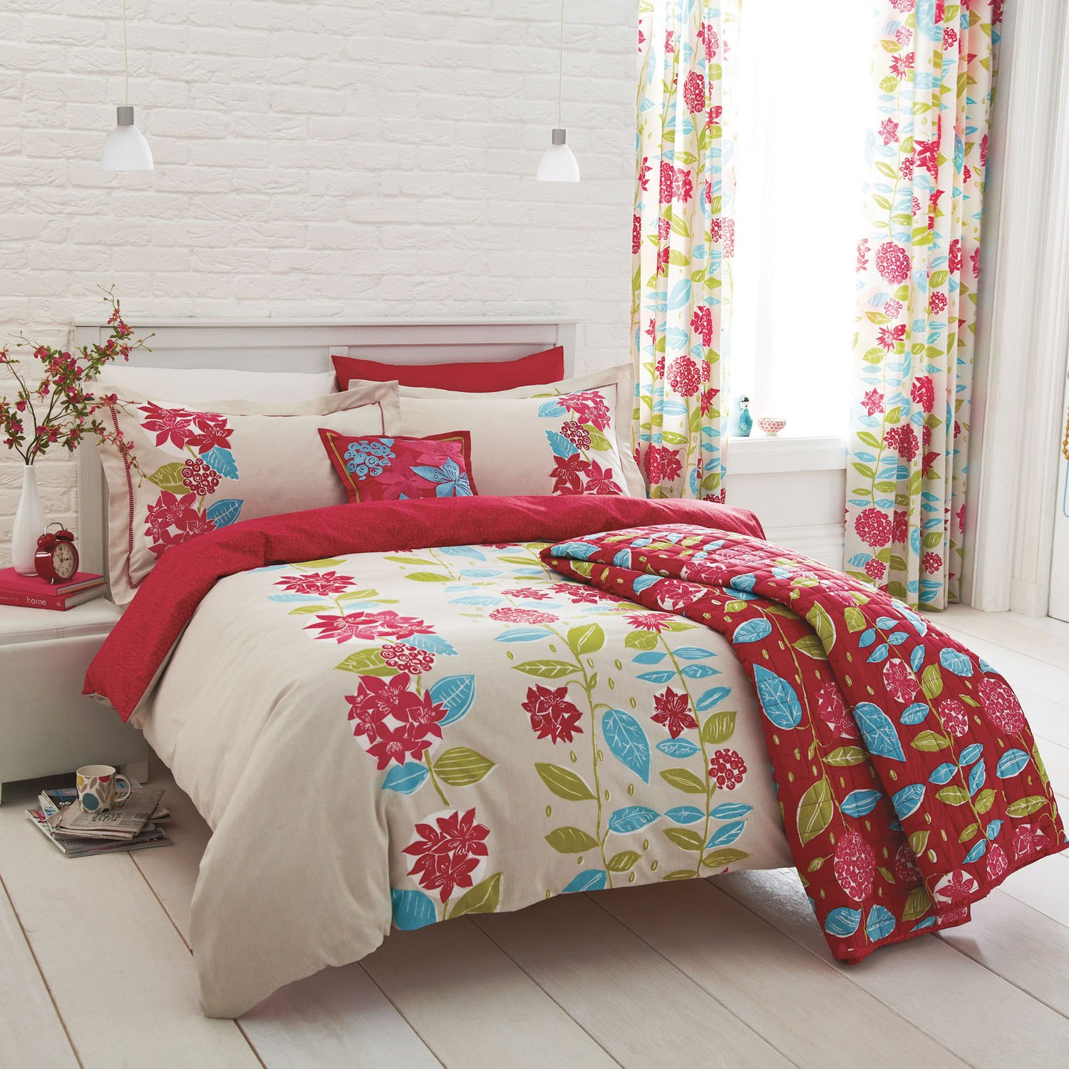 Choose from our large selection of bed linen, bed sets, sheets, pillowcases and Categories: Bedlinen, Comforters, Pillows, Bedspreads, Blankets & throws and more.